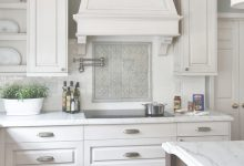 White Kitchens Backsplash Ideas